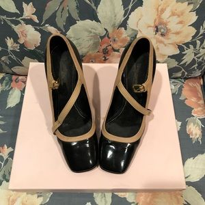 31c480a236b1 Louis Vuitton Mary Janes size 37